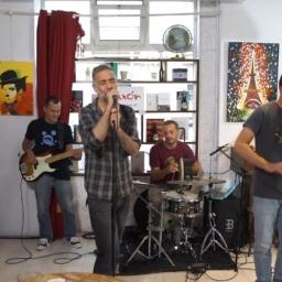 "El mio poema ""La playa"" musicáu pol grupu Cerezal"
